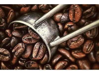 <Чем привлекает свежеобжаренный кофе